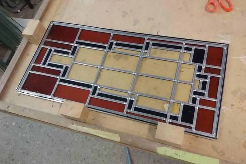 Bestaande glas in lood ramen kleiner gemaakt, in nieuw lood gezet en gemonteerd in dubbelglas Groningen.