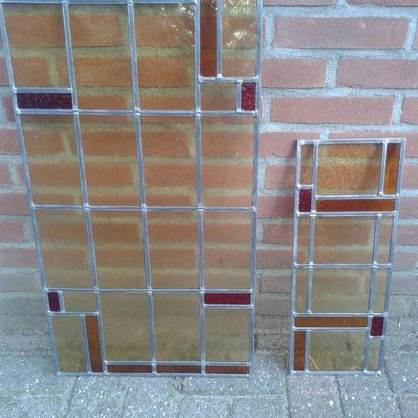 Nieuwe enkele ramen gemaakt na bestaand model en waterdicht ingekit met glas in lood kit Ijhorst