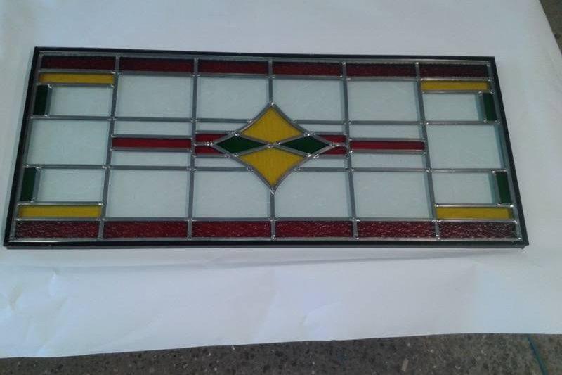 Nieuwe ramen gemaakt naar eigen ontwerp en prijs in overleg. Vraag geheel vrijbijvend een offerte op